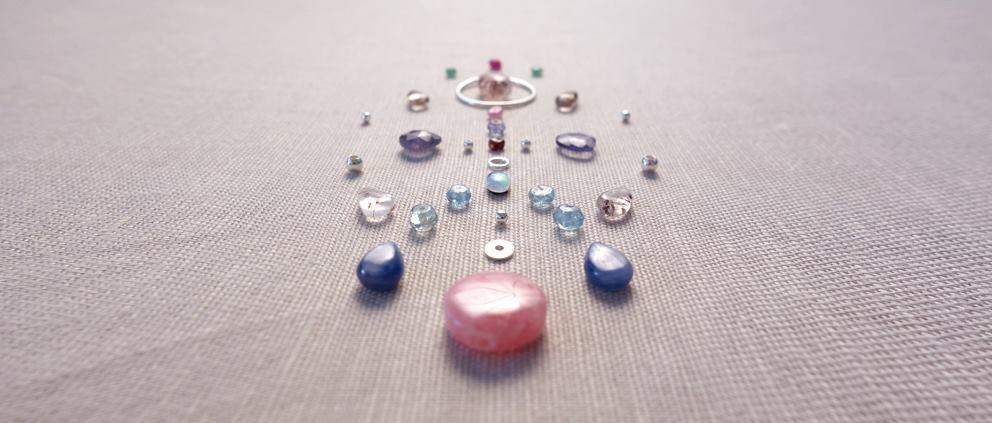 minéraux, pierres naturelles, cristaux